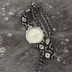 Aeropostale Watch, black and White, braided band.